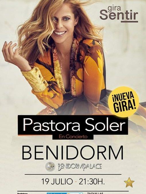 Pastora Soler en Benidorm Palace